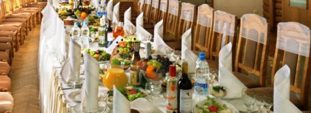 Львівський ресторан, у якому масово отруїлись люди, ретельно перевірятимуть