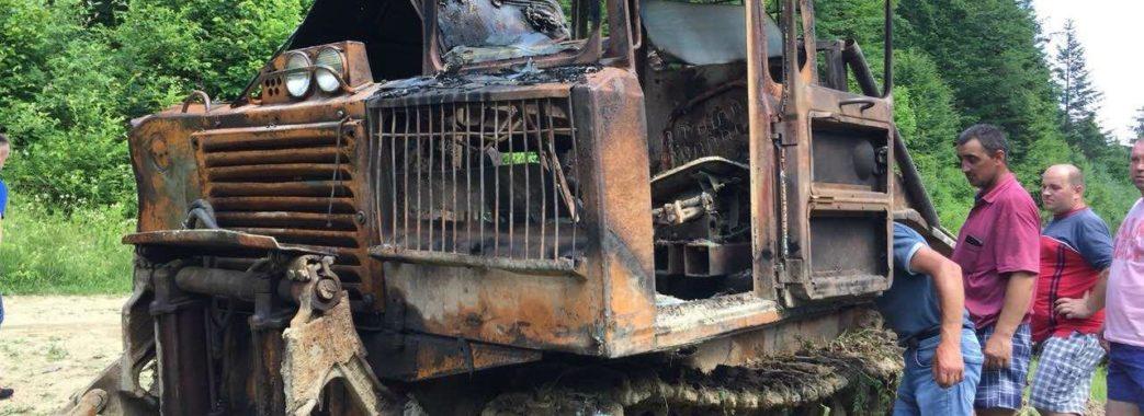 На Старосамбірщині згорів трактор лісорубів