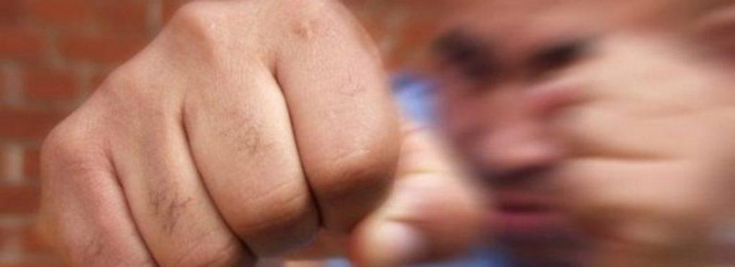 Поліцейських з Кам'янки-Бузької підозрюють у побитті 17-річного хлопця