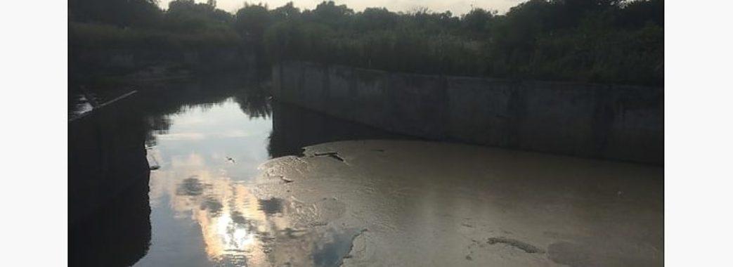До очисних споруд «Львівводоканал» потрапила невідома забруднююча речовина