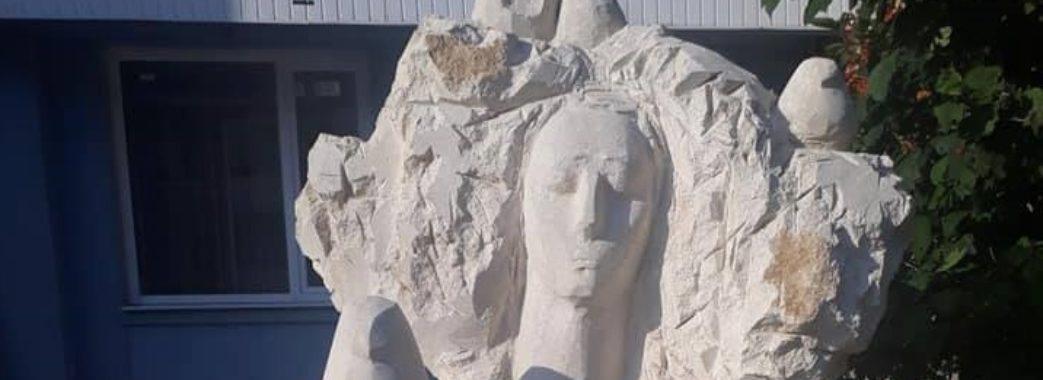У Миколаєві встановлять нові скульптури: жителі не в захваті