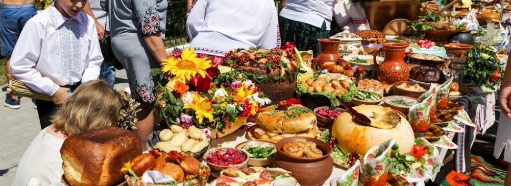Вареник з найбільшою кількістю начинки: на фестивалі у Радехові встановлять рекорд