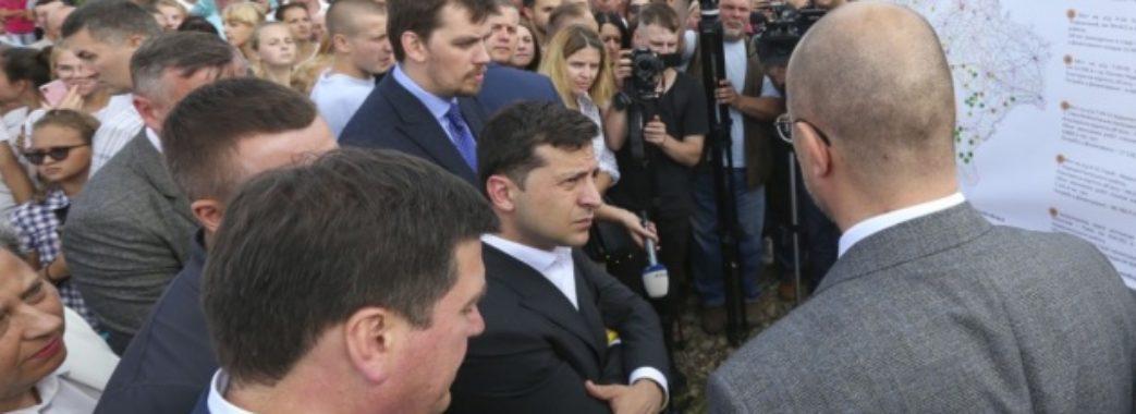 Зеленський «повісив» ремонт дороги за 175 мільйонів на нардепа Іванчука (ВІДЕО)