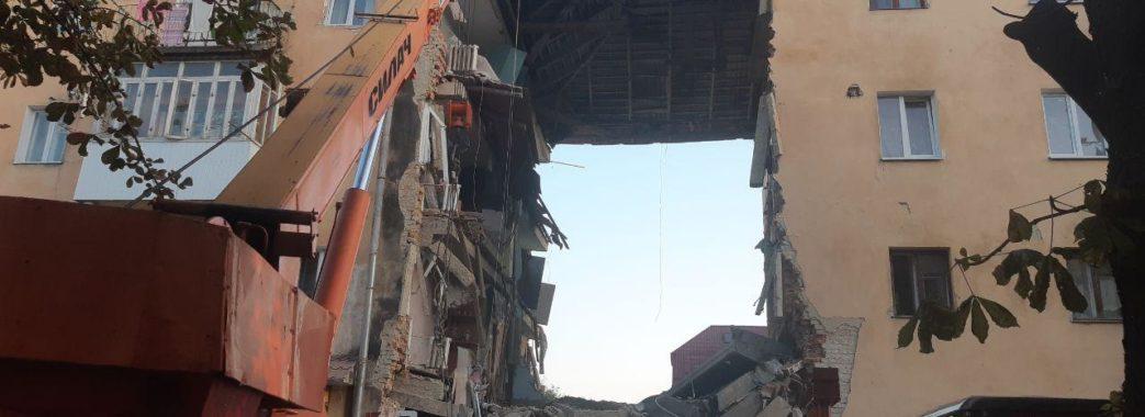 Вибух побутового газу у Дрогобичі зруйнував під'їзд 1-4 поверхів будинку, є загиблі