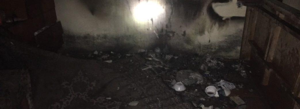 Жовківські вогнеборці із палаючого будинку врятували його господиню