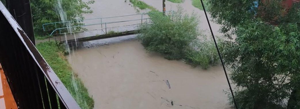 Львівщину починає затоплювати (ФОТО, ВІДЕО)