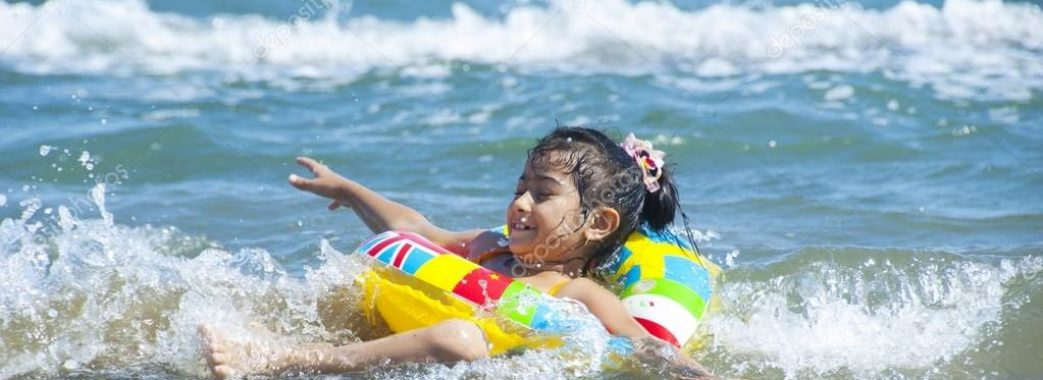 В Азовському морі потонула дівчинка зі Львова: її на надувному колі віднесло у відкрите море