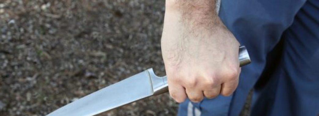 На Самбірщині утікач з лікарні напав з ножем на поліцейського