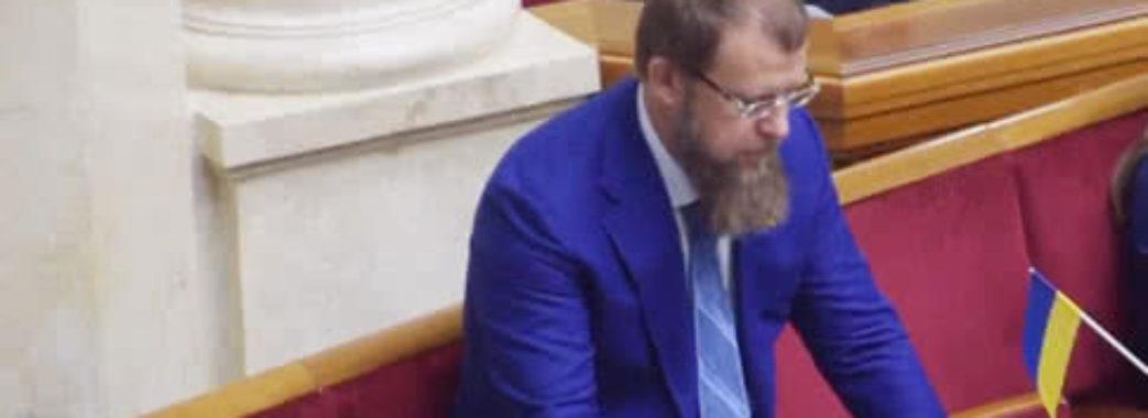 Перший нардеп-кнопкодав нової Ради погрожував журналістам – «Чесно» (ВІДЕО)