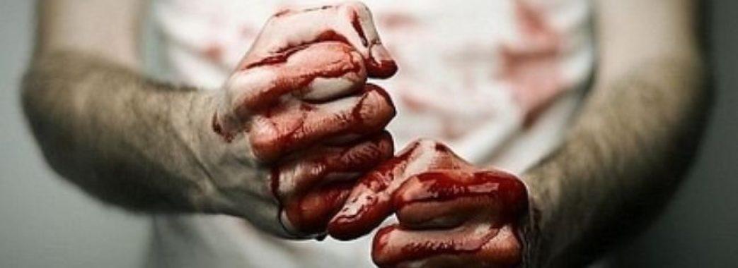 Львів'янин викруткою мало не забив до смерті дружину, тестя та маленьку дитину