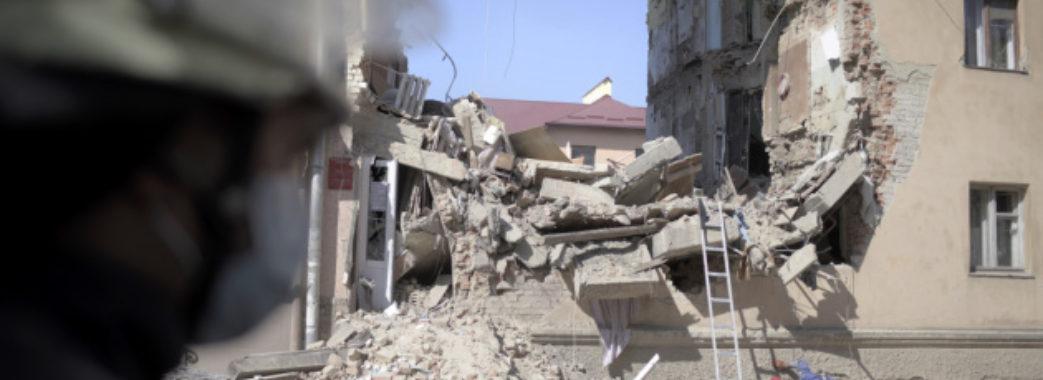 В інших під'їздах обваленого будинку у Дрогобичі з'явились тріщини