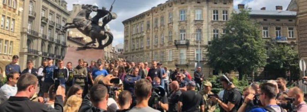 Львів'яни виступили проти нового начальника обласної поліції
