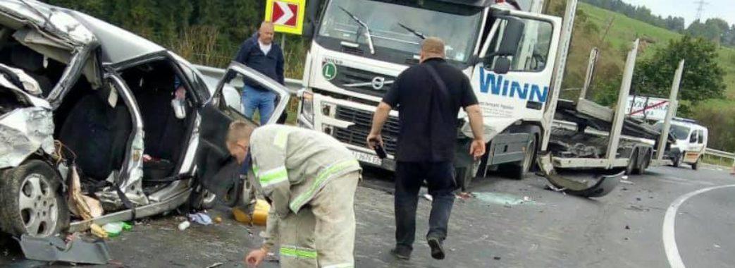 У лобовій аварії на Сколівщині загинув іноземець