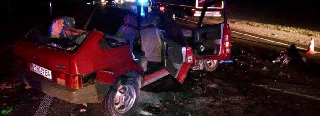 «Дев'ятка» залишилась без даху: на Миколаївщині смертельна аварія