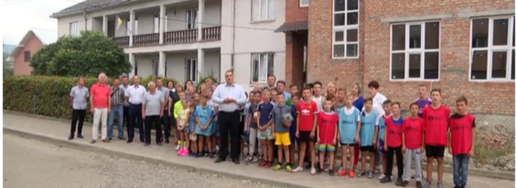 Голова облради Ганущин залучив школярів зі Сколівщини до політичного ролику (ВІДЕО)