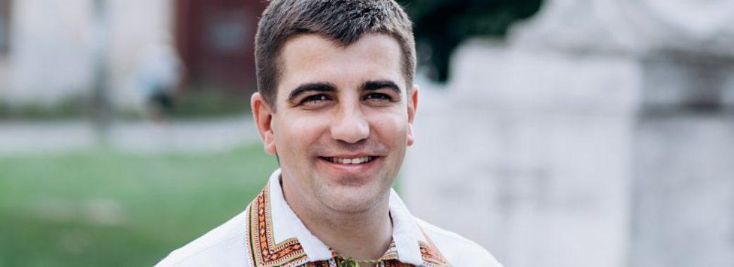 «Я тут, щоб відстоювати проблеми Жовківщини та Яворівщини», – Павло Бакунець