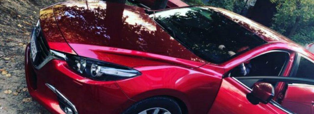 У відомої борчині викрали авто, яке їй подарував чоловік п'ять днів тому