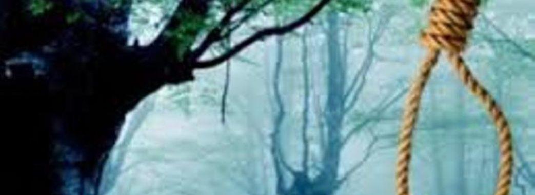 У Винниках на дереві знайшли повішеного чоловіка