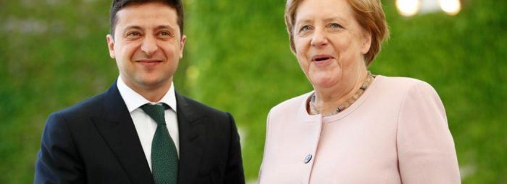 Зеленський провів телефонну розмову з Ангелою Меркель