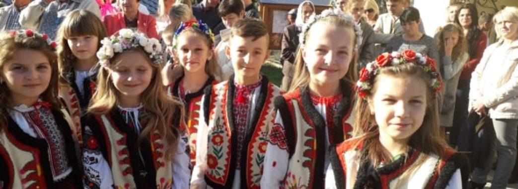 Владику Тараса Сеньківа зустріли хлібом-сіллю: на Городоччині відзначили 100-річчя церкви