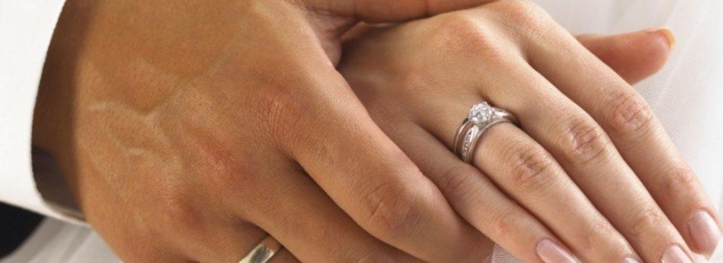 Де на Львівщині найбільше чоловіків та у скільки років виходять заміж дівчата у селах: оприлюднили статистику