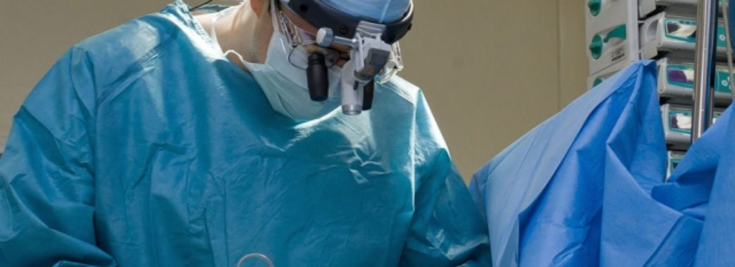 У Львові канадські хірурги безкоштовно оперуватимуть учасників АТО
