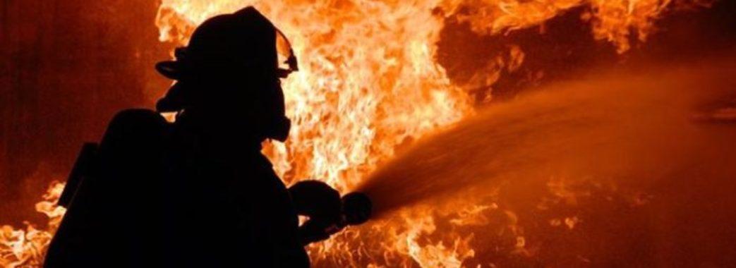 Мешканцю Буського району під час пожежі на сусідському обійсті стало зле