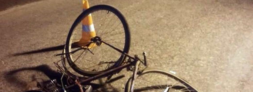 На Бущині трапилася смертельна ДТП: велосипедист помер в кареті швидкої