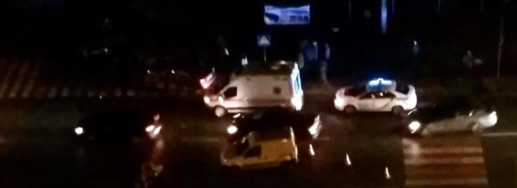 У Львові автомобіль збив жінку з дворічною дитиною