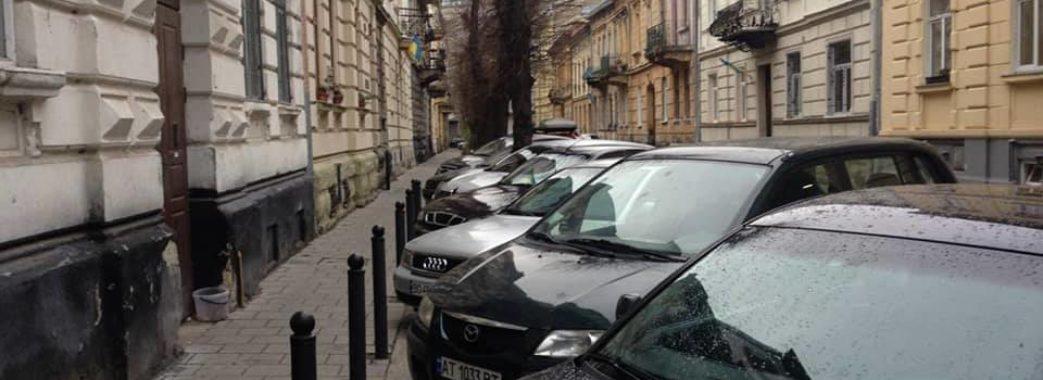 Люди з інвалідністю не можуть паркуватися біля райвідділів поліції