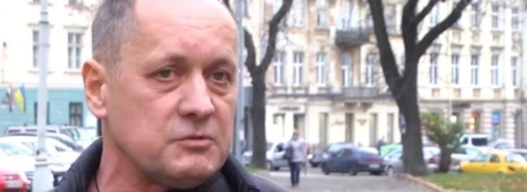Золочівський бізнесмен пояснив, чому вдарив в обличчя юристку міськради