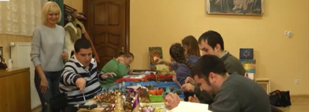 Львів'ян запрошують на благодійний різдвяний ярмарок: кошти передадуть дітям із СМА