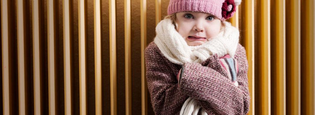 «Двох дівчаток батьки не відпускають на уроки»: у школі на Пустомитівщині мерзнуть діти