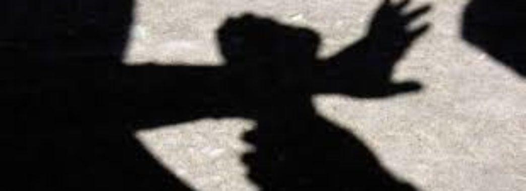 Іноземець напав з ножем на перехожого у Львові