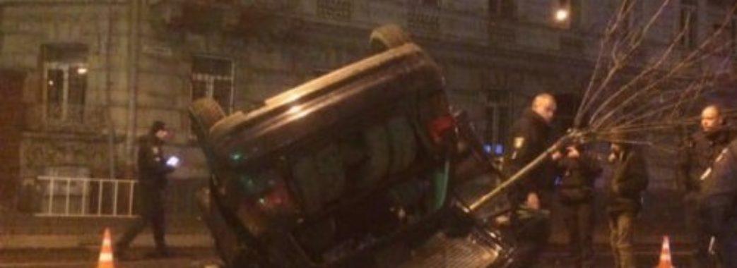 24-річний водій без прав наробив лиха у Львові