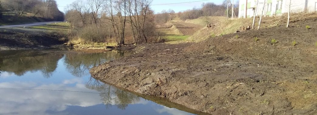 Жителі Стільська на Миколаївщині самотужки розчистили озеро