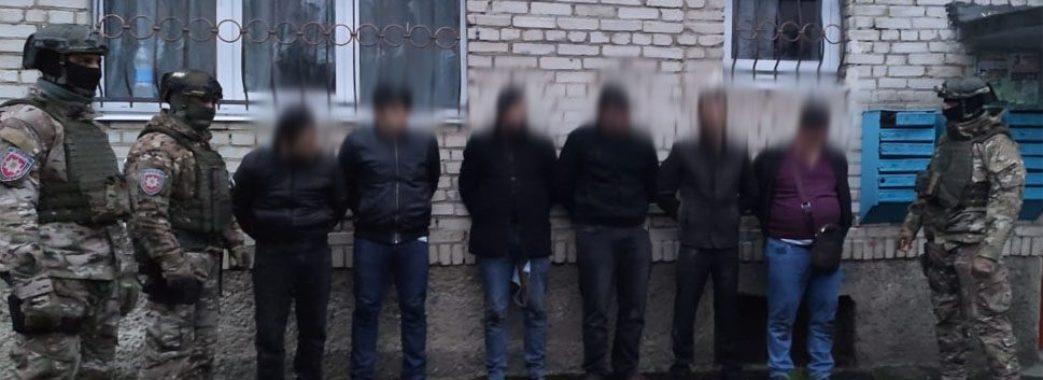 На Дрогобиччині шестеро чоловіків викрали з банку термінал
