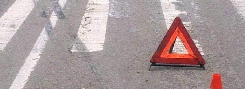 Йшли від батькової могили: на Жовківщині автівка на «зебрі» збила двох дітей