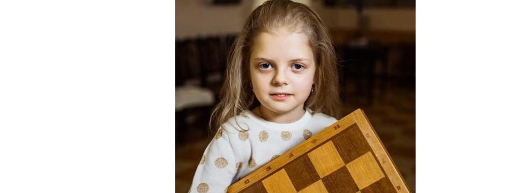 8-річна миколаївчанка привезла медаль з Естонії
