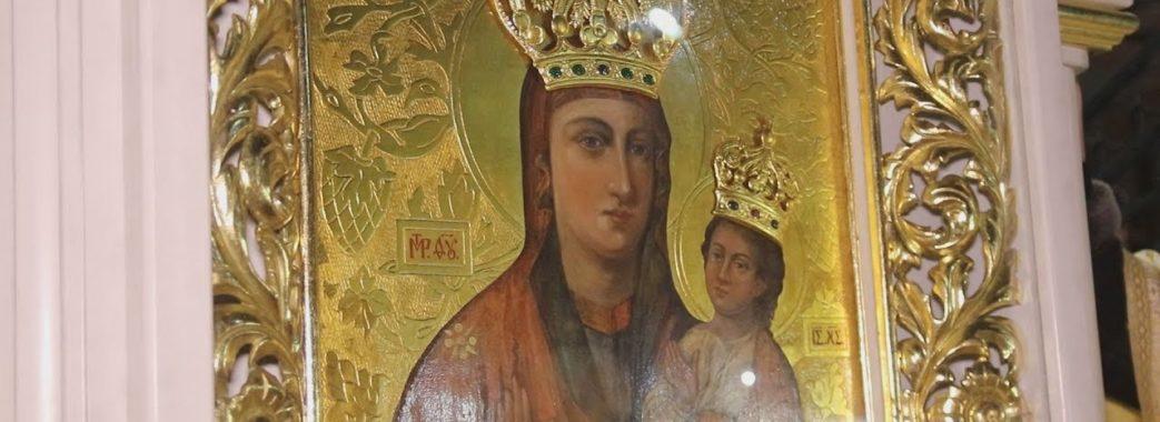 Унікальну ікону із Зарваниці везуть до Львова