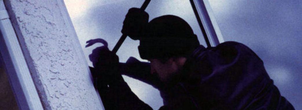 Озброєні грабіжники катували сім'ю керівника лісгоспу у Радехові