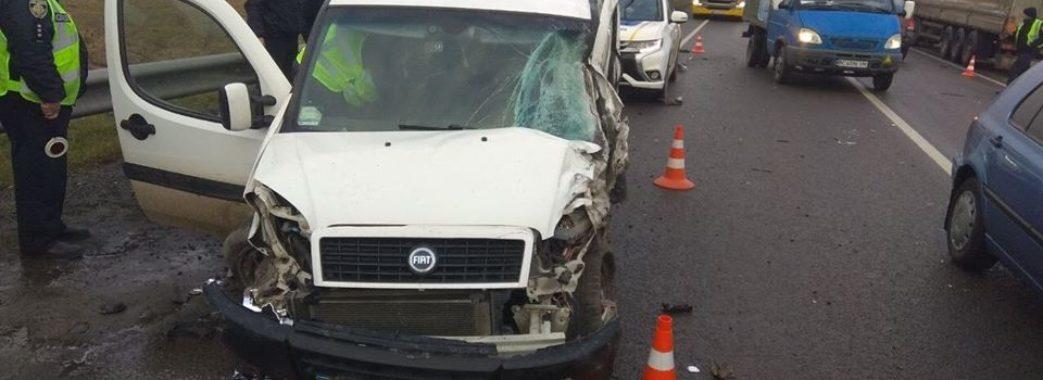 Під Львовом чоловік розбив на друзки викрадену автівку