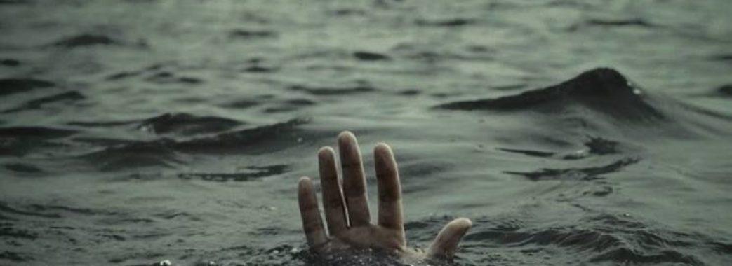 «Недалеко від дому його знайшли»: на Мостищині в ставку втопився молодий чоловік