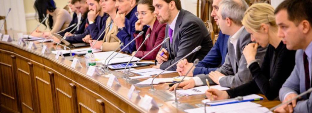 Дороги, стадіони, школи та лікарні: в Україні стартувала програма «Велике будівництво»