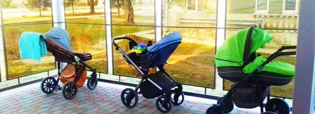 «Від дощу і снігу»: в амбулаторії Миколаєва облаштували майданчик для дитячих візків