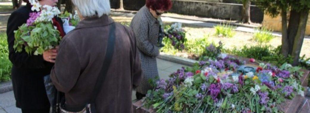 «Поки наші хлопці в полоні»: останки диверсанта Кузнєцова наразі залишать у Львові