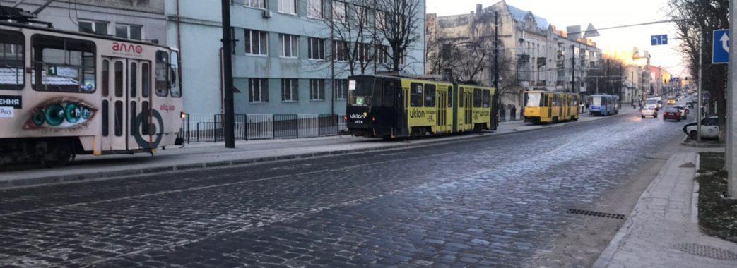 """""""Завжди щось ламається"""": у Львові зупинились трамваї"""