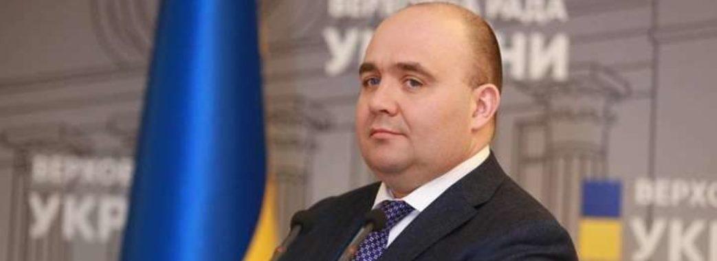 У двох українських депутатів виявили коронавірус: ще одного госпіталізували з підозрою