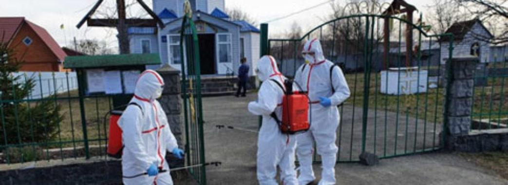 Березень з коронавірусом: хто в Україні помер від COVID-19?