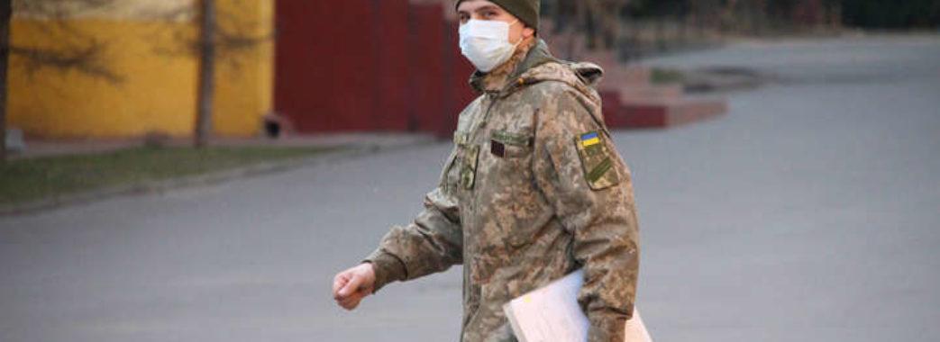 В Україні вулиці міст патрулюватимуть військові
